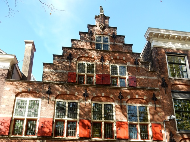 Den Haag Lange Voorhout Pageshuis trapgevels stepped gables