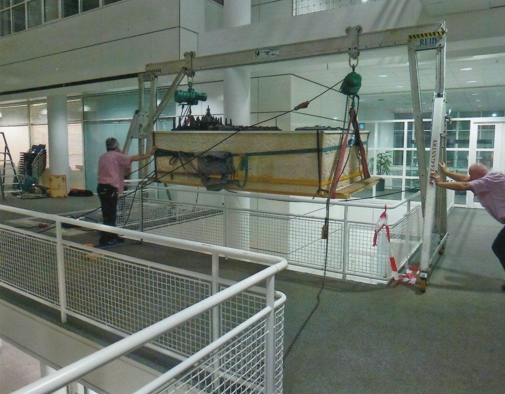 Transport van eerste etage naar begane grond