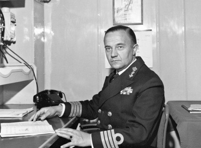Kapitein Piet de Jong, Commandant. Hr.Ms. Gelderland - foto collectie NIMH