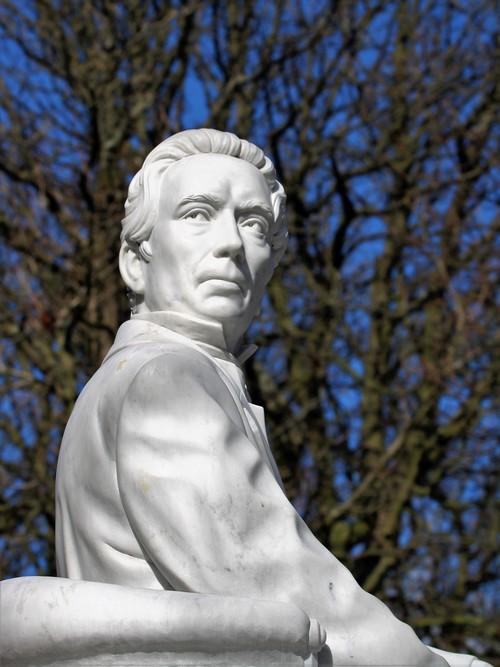 Thorbecke Monument Lange Voorhout - foto Piet Vernimmen
