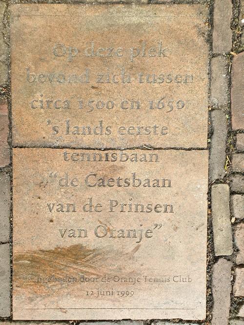 Kaatsbaan Herinneringsplaquette Binnenhof Den Haag