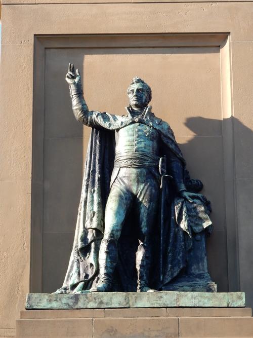 Koning Willem I op het monument op het Plein 1813 - Troonrede
